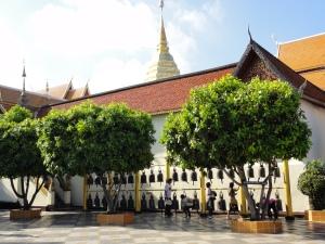 Doi Suthep , wisata kuil yang berada di puncak bukit di Chiangmai